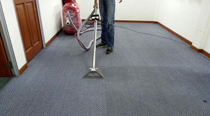 Teppichboden Reinigen So Kriegst Du Selbst Hartnackige Flecken Weg